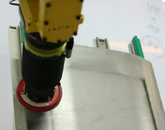 CELLULE ROBOTISEE DE PONCAGE 2