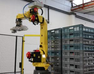 Cellule robotisée de manutention et empilage de cagettes